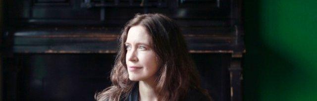Sarah McQuaid - Upstairs at The Blue Lamp