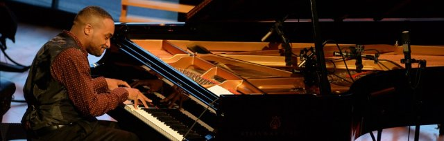 Sullivan Fortner, solo piano: LIVE AUDIENCE + Streaming