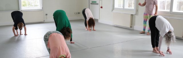 Klein Technique™ Stretch and Placement Classes at Siobhan Davies Studios – Autumn Term 2021