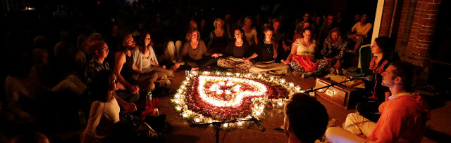 Kevin James Chanting circle at Brisbane (Redcliffe)